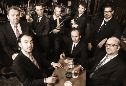 New Cool Collective en Typhoon
